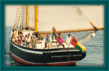 Ernestina leaving Cape Verde in 1982