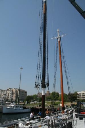main mast coming down into mast step