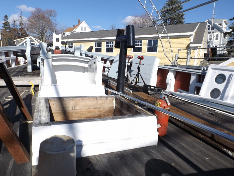 Here is the new 2008-2009 foredeck being put to good use.  The covers are off the hatches to allow good ventilation in the bow area.
