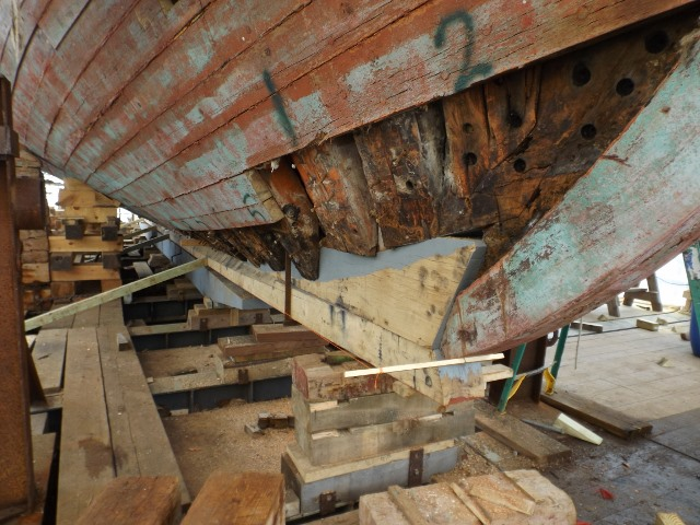 The forward part of the keel had already been fitted to the forefoot.