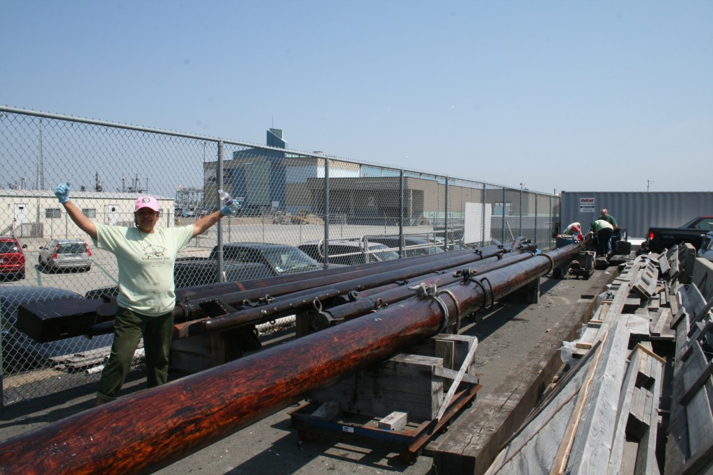 """In 2011 a volunteer crew from the NB Whaling National Historical Park's """"Lend-a-Hand"""" Day oiled the spars."""